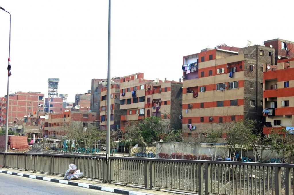 واجهات المباني المطلة على طريق الأوتوستراد بعد تلوينها. تضامن 2015
