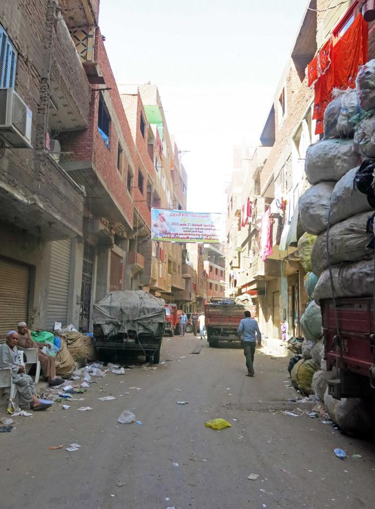أحد شوارع منطقة الزرايب/الزبالين. تضامن 2015